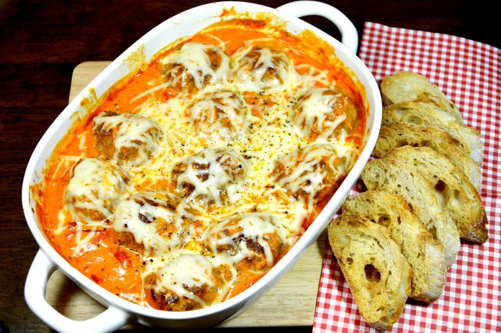 pulpeciki w sosie pomidorowo-śmietanowym