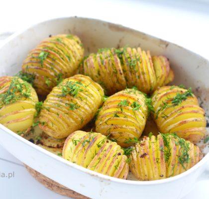 pieczone-ziemniaki-po-szwedzku-hasselback