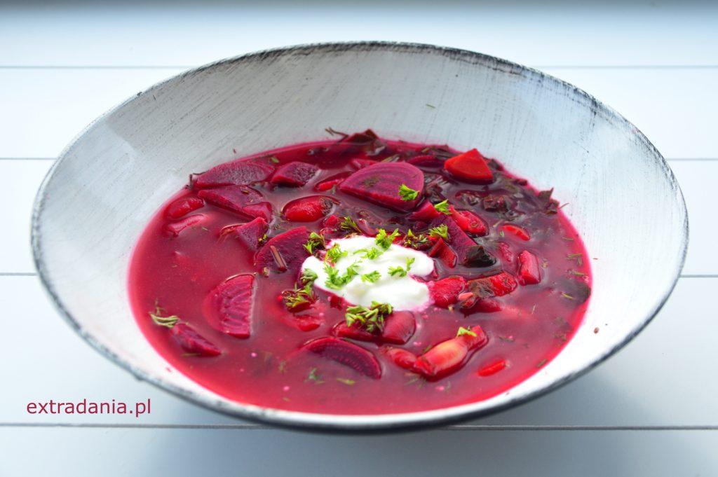 zupa buraczkowa z botwinka i fasola szparagowa