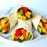 Tortilla z mango, kurczakiem i awokado