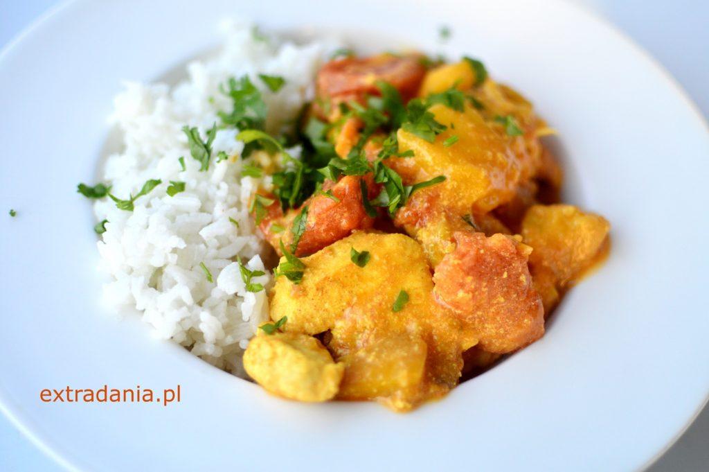 curry z kurczakiem mango i pomidorami