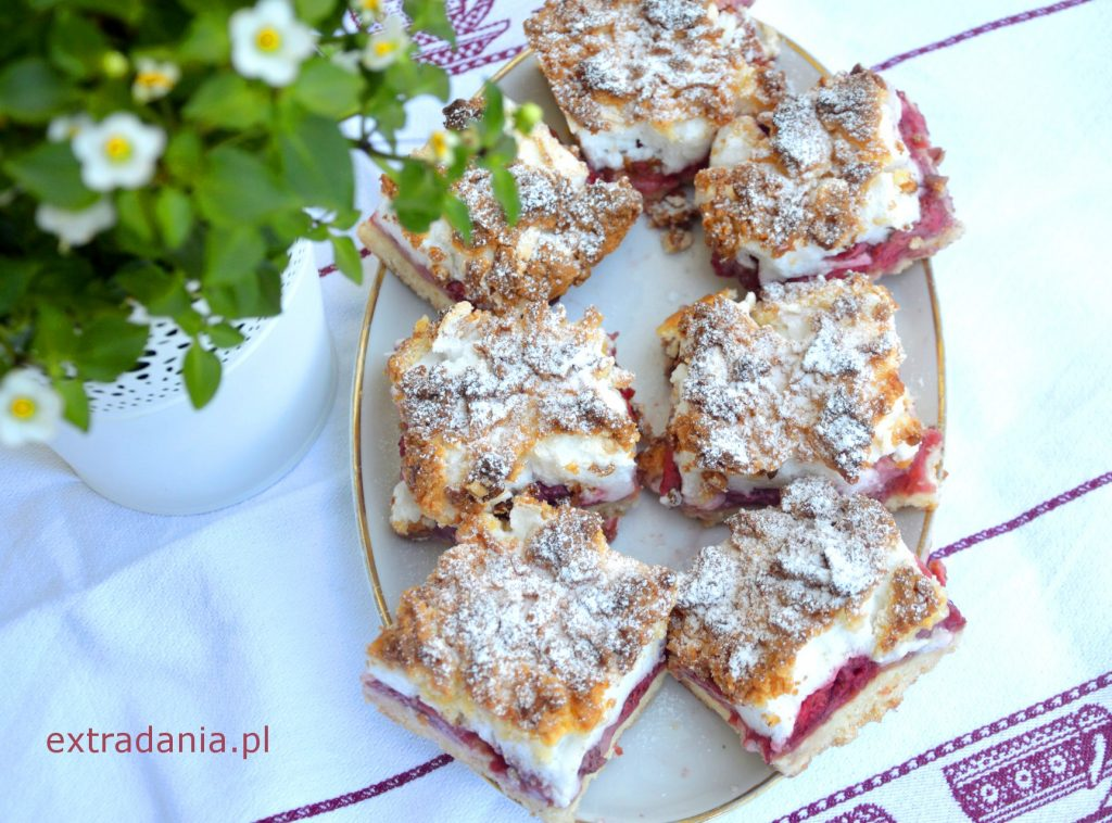 ciasto kruche z truskawkami