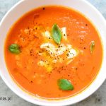 Zupa krem ze świeżych pomidorów z mozzarellą