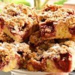 Ciasto z truskawkami i owsianą kruszonką