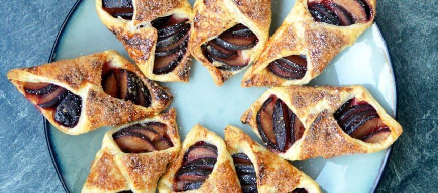 Ciastka francuskie ze śliwkami