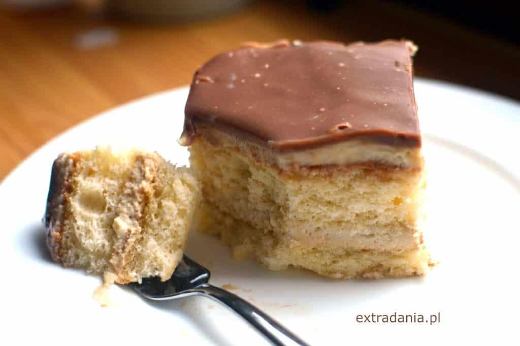 kostka kajmakowo-chałwowa z polewą czekoladową