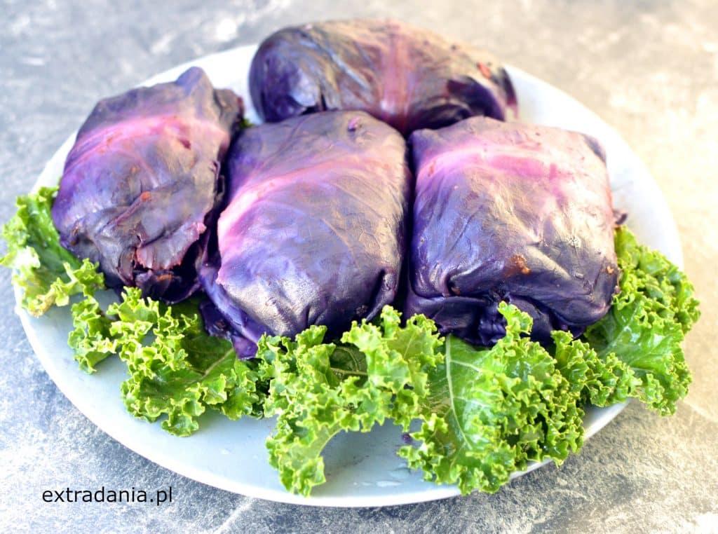 wegańskie gołąbki z czerwonej kapusty