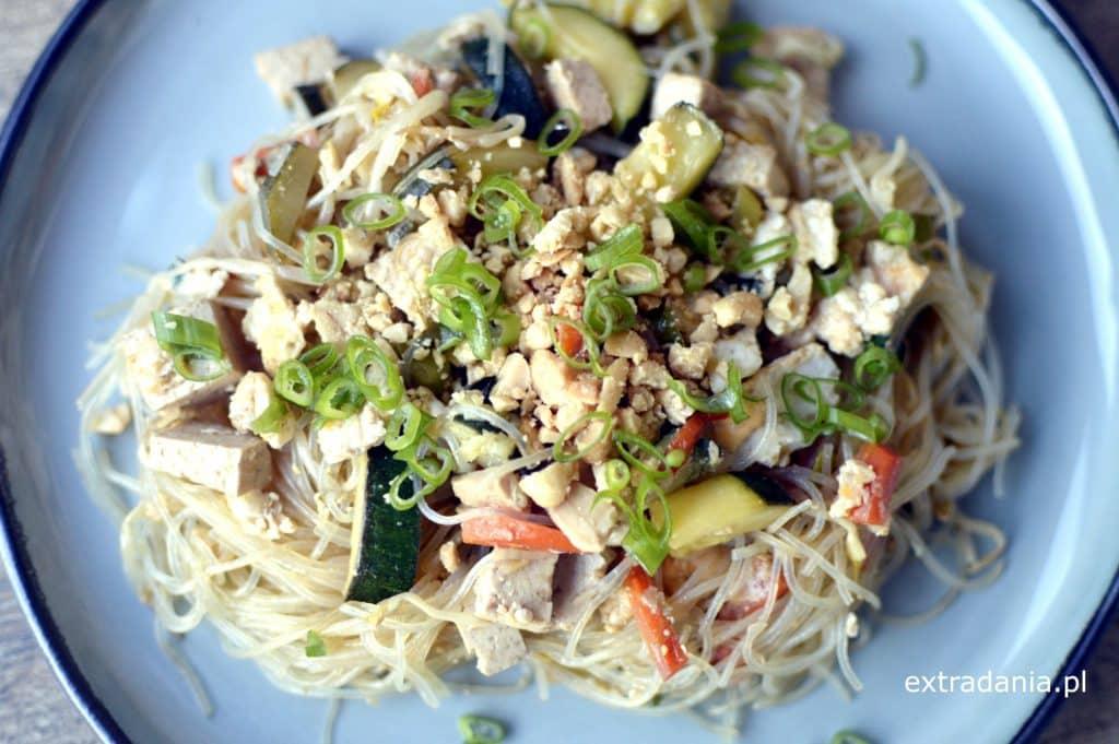 Pad Thai z tofu i warzywami